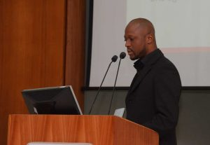 Picture of Olalekan Anifowoshe, IITA Data Programmer, DIMU, talking about CKAN.