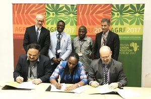 Picture of AGRA-IITA-CIMMYT signing of MoU at the AGRF in Abidjan, Côte d'Ivoire.