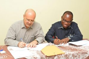 Picture of IITA DDG P4D, Kenton Dashiell and HarvestField Industries MD, Martins Awofisayo
