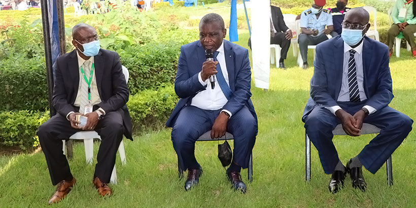 (L-R) IITA-Cameroon Country Representative Dr Cargele Masso, Minister of Agriculture and Rural Development Mr Gabriel Mbairobe, and the Chief Inspector at the Ministry of Agriculture and Rural Development.
