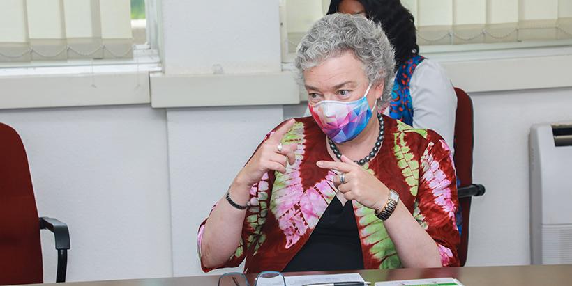 Acting British High Commissioner visits IITA Ibadan